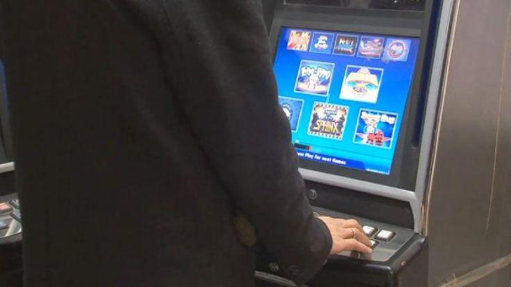 Okazało się, że automaty stały wbrew przepisom ustawy o grach hazardowych