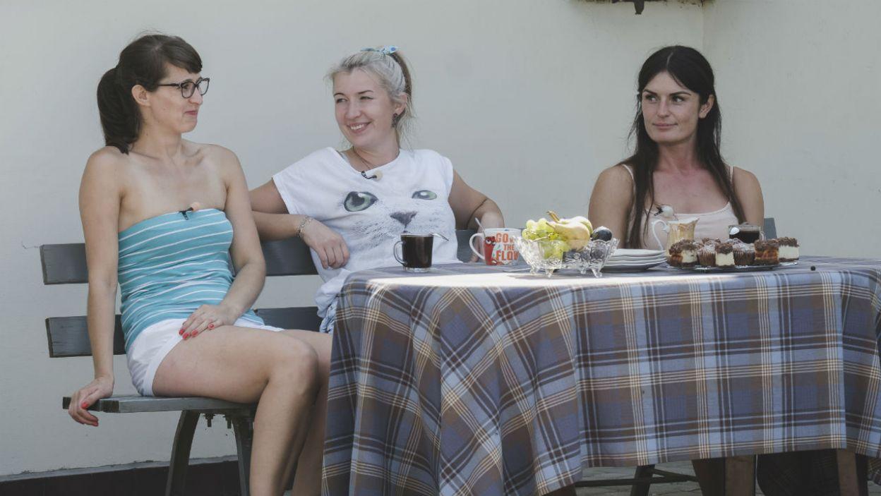 Kandydatki Łukasza również miały okazję wykazać się w kuchni (fot. TVP)