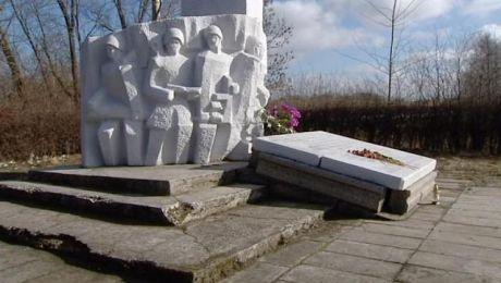 Obelisk z wizerunkiem radzieckiego generała do rozbiórki?