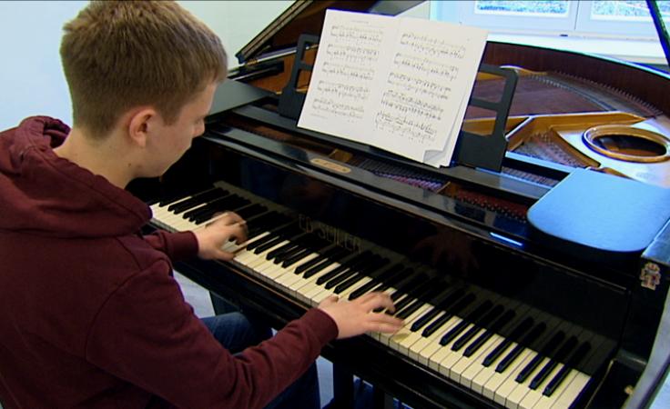 Polonezy i nokturny Chopina w wykonaniu obcokrajowców