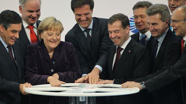 Uruchomienie gazociągu Nord Stream w 2011 r. Na zdjęciu m.in. Angela Merkel i  Dmitrij Miedwiediew(fot. Sean Gallup / Staff / Getty Images)
