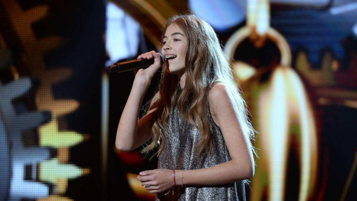 """O tym, że w życiu najważniejsze są marzenia przypomniała Amelia Andryszczyk. Do piosenki """"Marzenia"""" młoda wokalistka napisała zarówno tekst, jak i muzykę (fot. J. Bogacz/TVP)"""