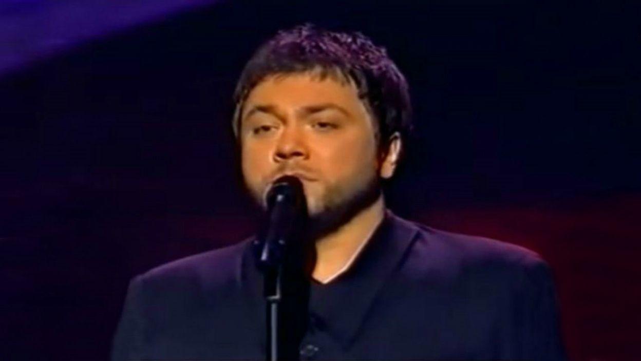"""Piosenka """"Przytul mnie mocno"""" Mietka Szcześniaka została doceniona jedynie przez litewskich i niemieckich widzów oraz jurorów z Bośni i Hercegowiny (fot. TVP)"""
