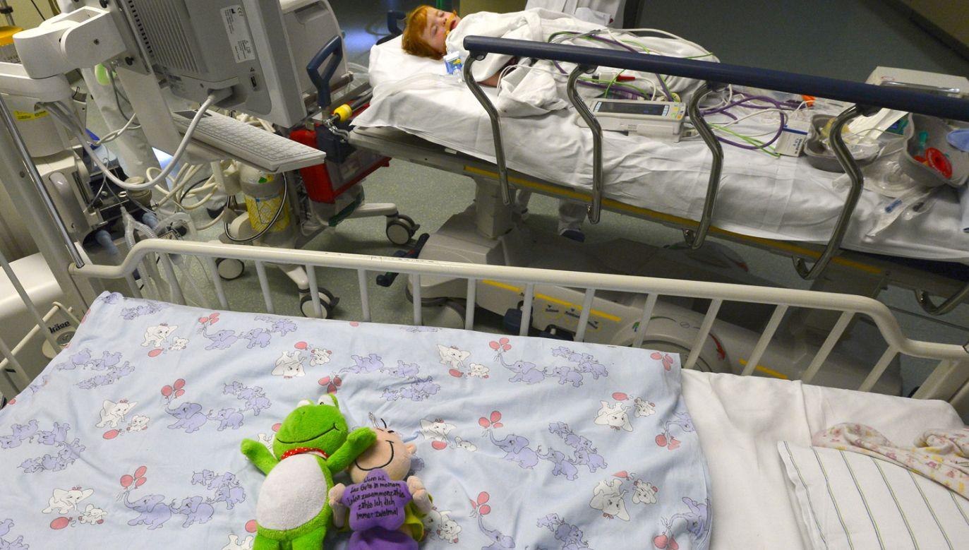 Wirus typu H3N2 jest bardzo niebezpieczny dla dzieci – alarmują amerykańskie służby (fot. Theo Heimann/Getty Images)