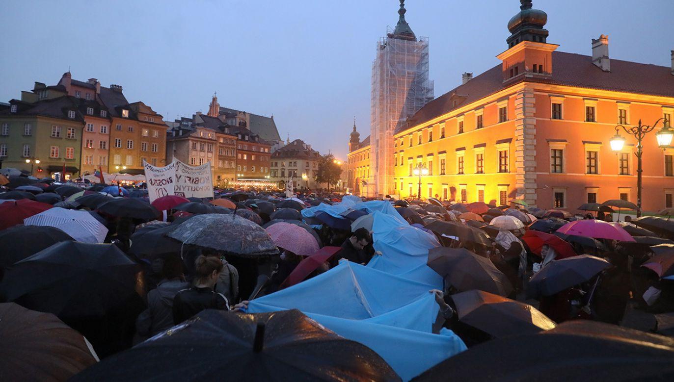 17 stycznia Ogólnopolski Strajk Kobiet organizuje Czarną Środę (fot. arch.PAP/Paweł Supernak)