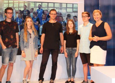 Uczestnicy warsztatów dziennikarskich w TVP3 Rzeszów