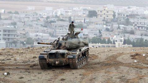 Turcja odpowie na wszystkie ataki rakietowe Państwa Islamskiego z terytorium Syrii (fot. Stringer / Getty Images)