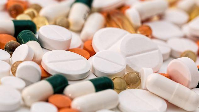 Wprawdzie Polska jest krajem tranzytowym dla fałszerzy leków, ale rodzima produkcja podróbek jest coraz większym problemem (fot. Pixabay/stevepb)
