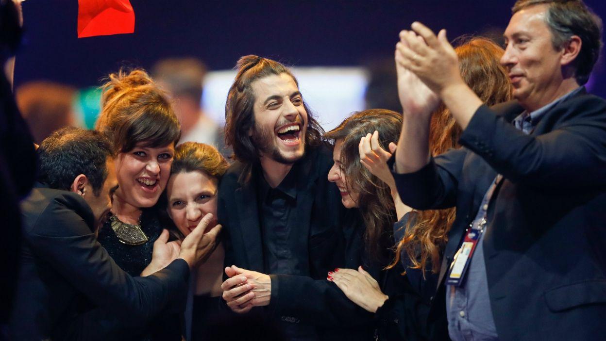Portugalia wróciła na łono Eurowizji po rocznej przerwie w świetnym stylu. Czy Salvador Sobral – prawdziwy czarodziej na scenie – sięgnie po trofeum? (fot. PAP)