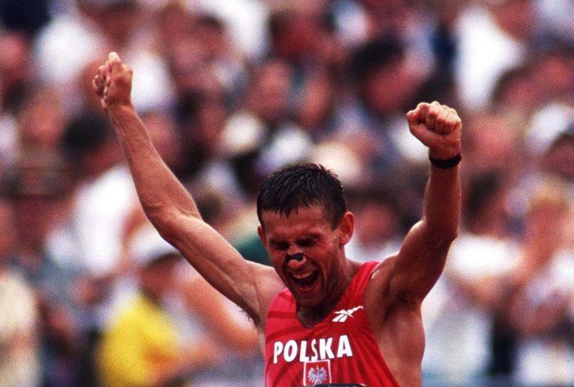 Robert Korzeniowski zdobył złoty medal w chodzie w Atlancie w 1996 roku (fot. Getty Images)