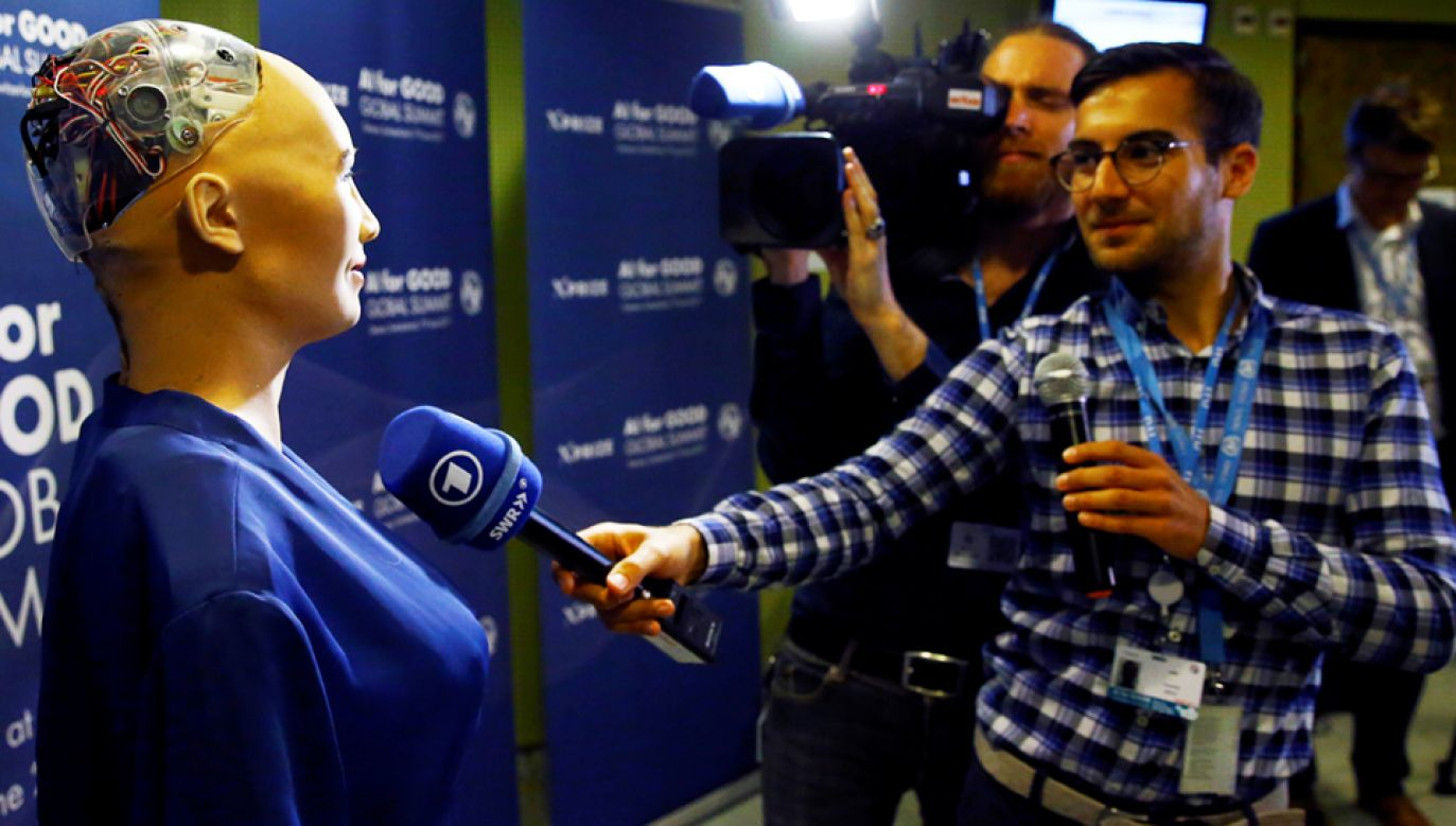 "Sophia zachwyciła uczestników forum ""Future Investment Initiative"" (fot. REUTERS/Denis Balibouse)"