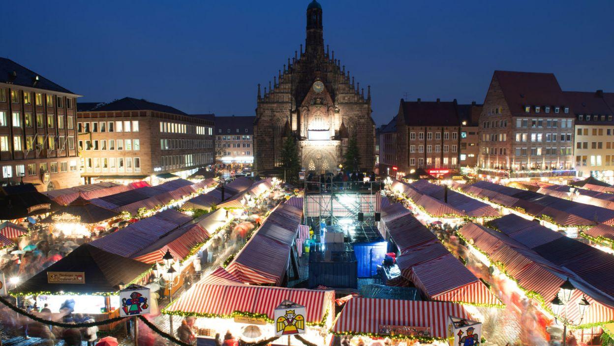 Bożonarodzeniowy jarmark w niemieckiej Norymberdze jest jednym z najsłynniejszych na świecie (fot. PAP/EPA)