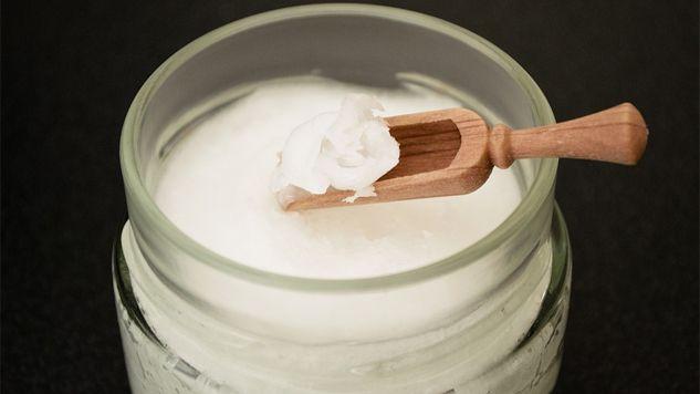 Olej kokosowy ma więcej tłuszczów nasycowych niż smalec (fot. Pixabay)