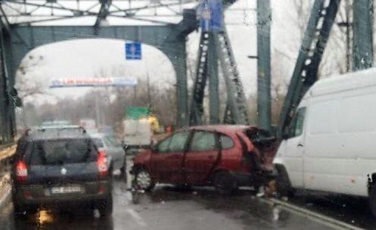 O 15.00 tak wyglądała sytuacja na moście (fot. Arkadiusz Paprocki)
