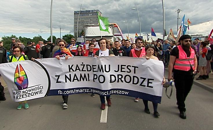 Ulicami Rzeszowa przeszedł dziś I Marsz Równości