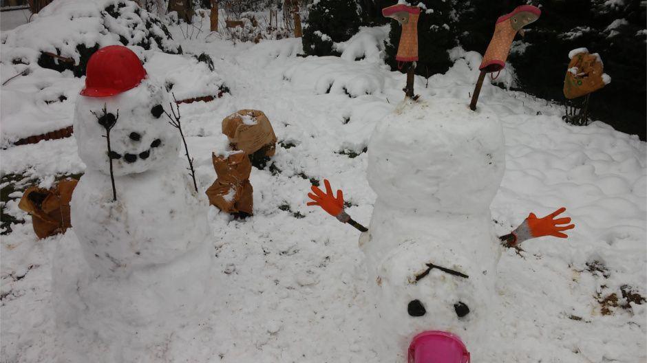 Śniegowe bałwany