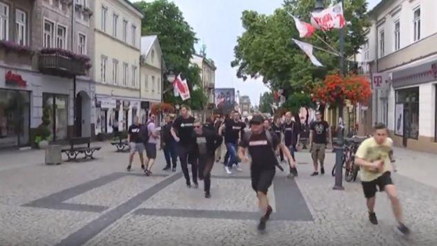 Platforma twierdzi, że zdarzenie w Radomiu miało tło polityczne (fot. yt/Oł ek)