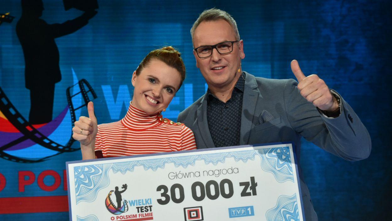 To właśnie ta pierwsza para odebrała zwycięski czek (fot. I. Sobieszczuk/TVP)