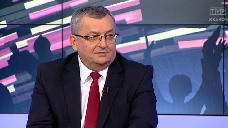 Minister infrastruktury i budownictwa Andrzej Adamczyk, fot. arch. TVP3 Kraków