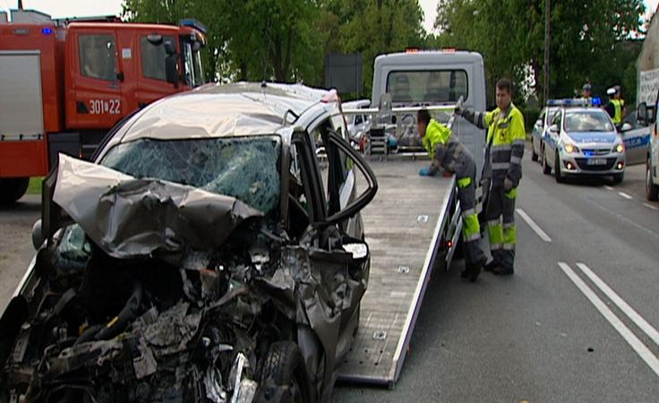 Zderzenie 3 aut osobowych. 6 osób poszkodowanych