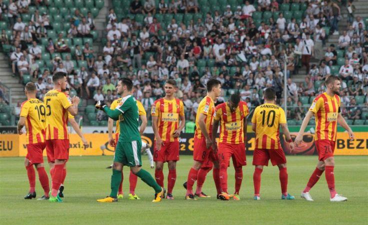 Żółto-czerwone derby. Zdjęcie: Radio Kielce.