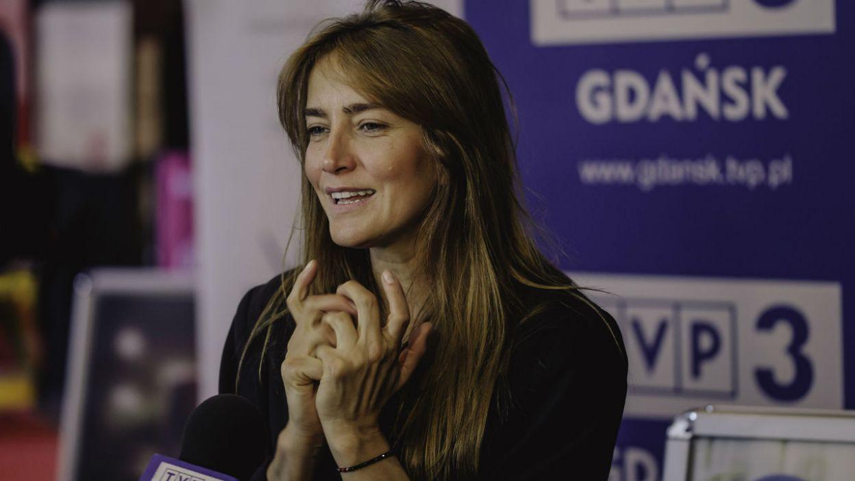 Aktorka Kamila Baar podzieliła się z odwiedzającymi ciekawymi opowieściami na temat swojej pracy (fot. TVP)