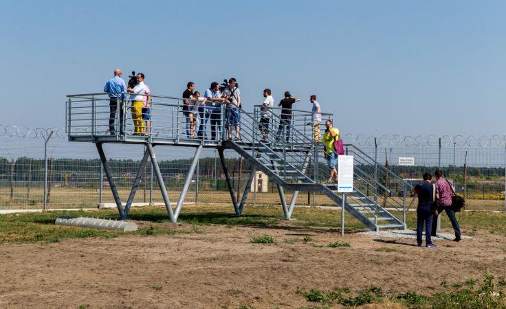 To pierwsze tego typu platformy w Polsce, fot. PAP Andrzej Grygiel