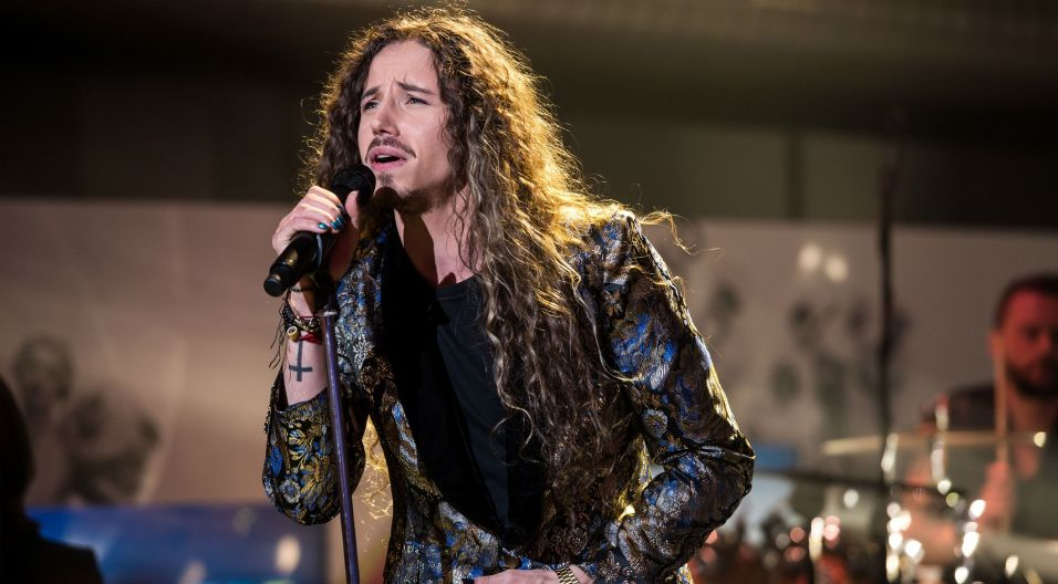 Michał Szpak to laureat SuperPremiery, SuperJedynki i... (fot. TVP/Jan Bogacz)