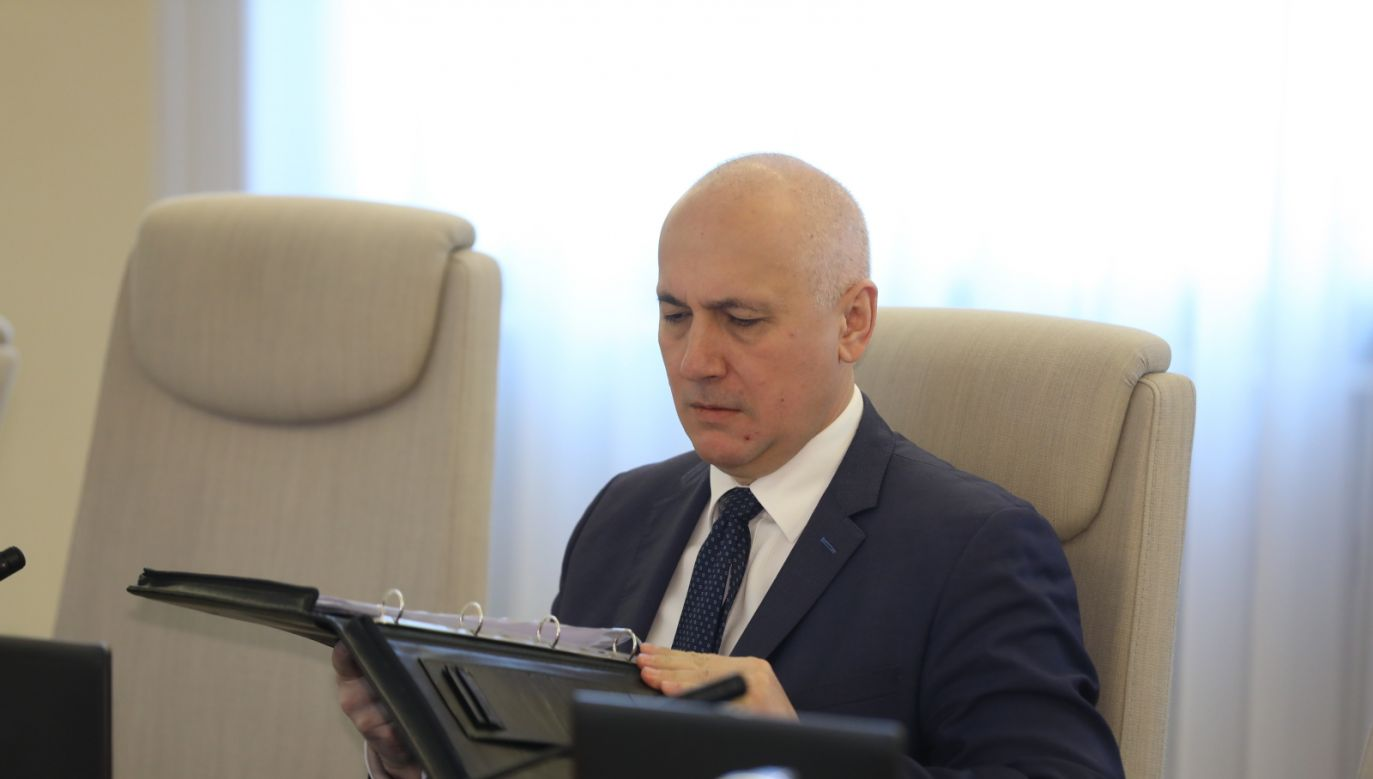 Szef MSWiA Joachim Brudziński (fot. PAP/Rafał Guz)
