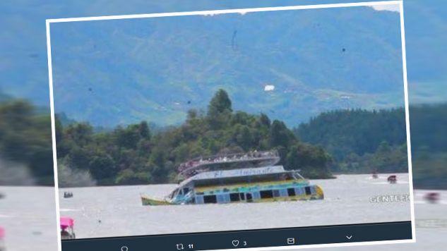 Statek zatonął  w pobliżu miejscowości Medellin (fot. twitter.com/telegraphnews)