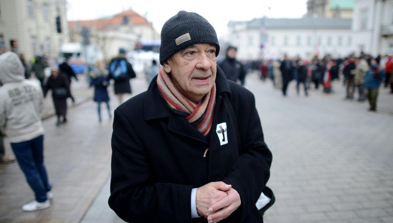 Antoni Krauze na warszawskim Krakowskim Przedmieściu podczas realizacji