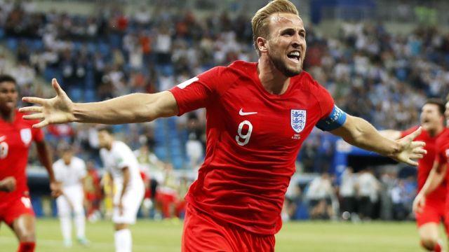 Kane w doliczonym czasie uratował Anglię (skrót)
