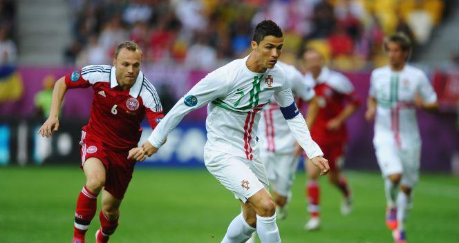 Cristiano Ronaldo przy piłce (fot. Getty Images)