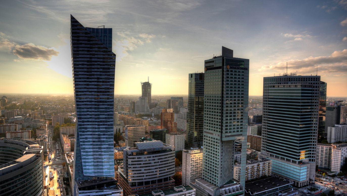 Trwa wyjaśnianie afery reprywatyzacyjnej w Warszawie (fot. flickr.com/Enrico Strocchi)