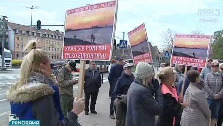 Protest w sprawie plaży na Stogach
