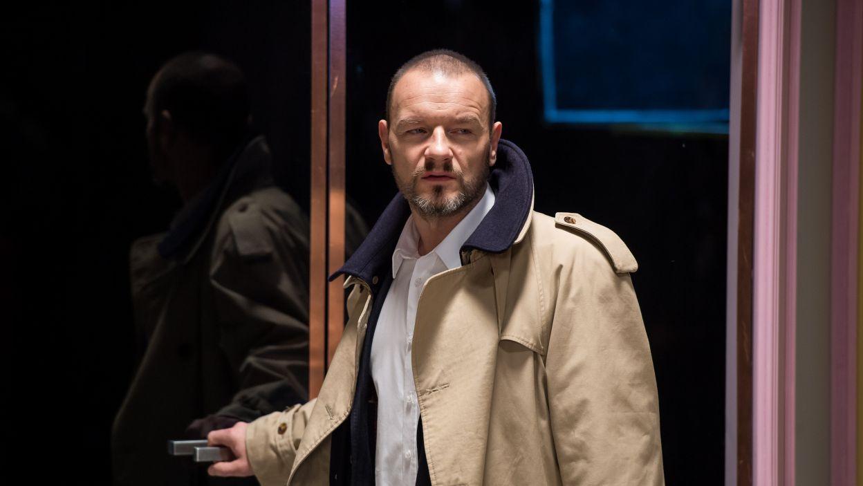 Reżyserem przedstawienia jest Redbad Klynstra-Komarnicki, który wciela się także w jedną z dwóch głównych postaci – Pana (Fot. J. Bogacz/TVP)