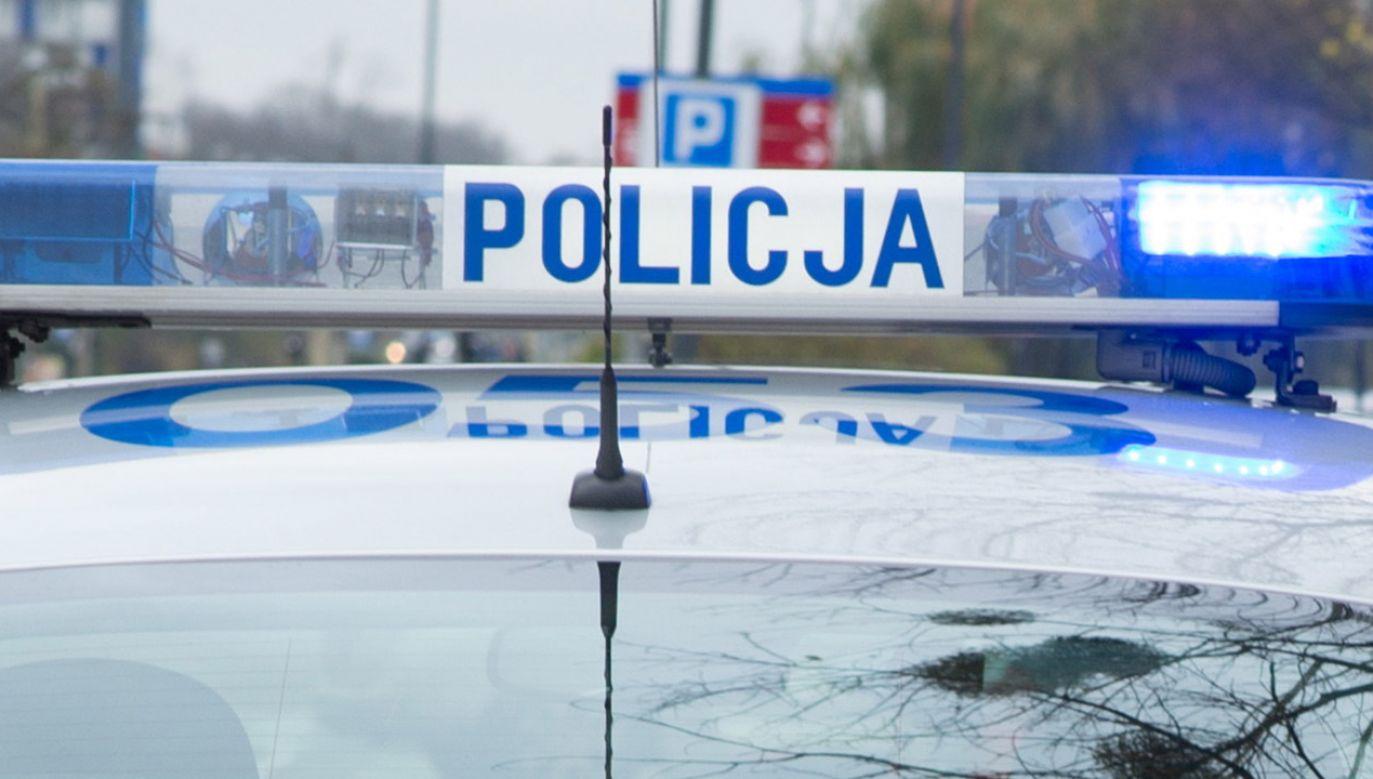 Policja eskortowała kobietę do szpitala (fot. policja.pl)