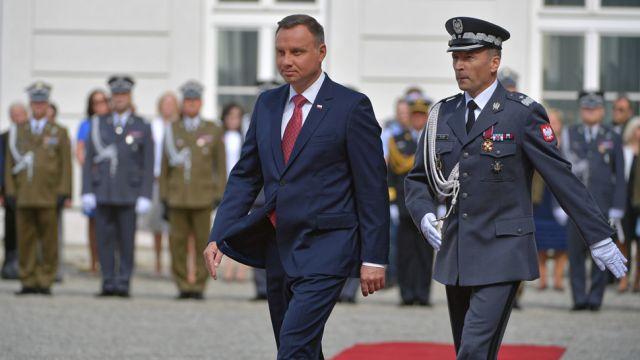 """Prezydent: Polscy żołnierze obronili Polskę i Europę przed """"czerwoną zarazą"""""""