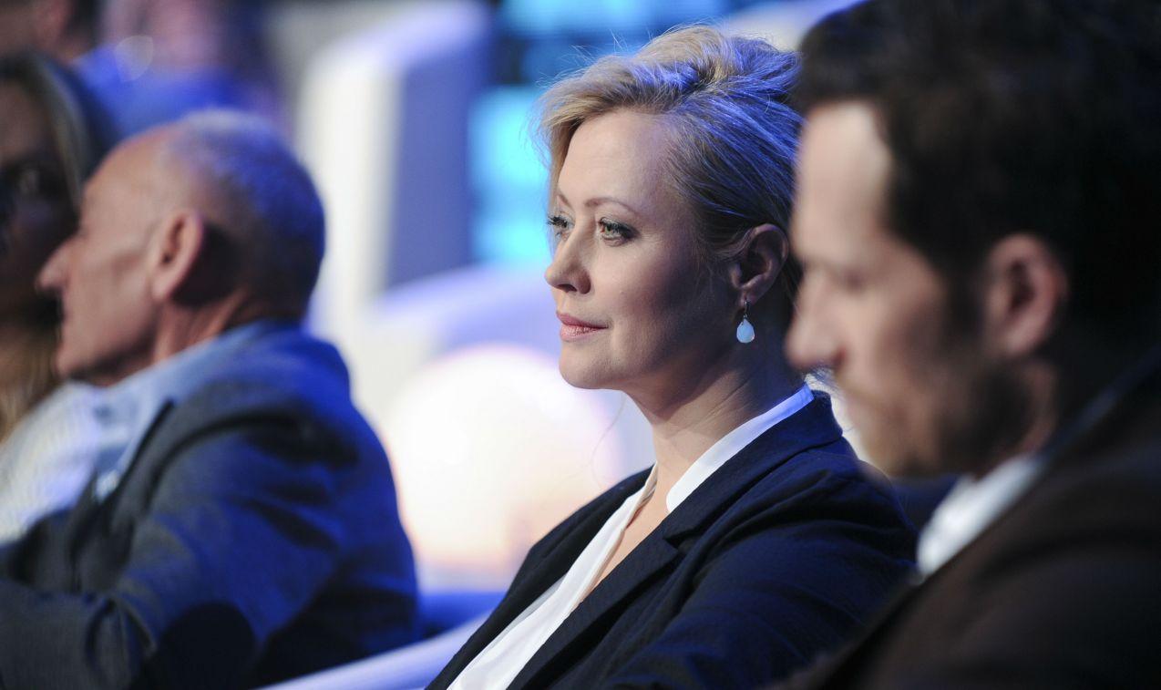 Agnieszka Wagner i Mariusz Czerkawski w skupieniu obserwowali rozgrywkę (fot. Natasza Młudzik/TVP)