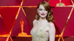 Emma Stone błyszczała jasno na czerwonym dywanie w kreacji od Givenchy (fot. PAP)