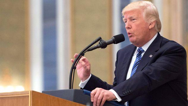 """""""Pozbądźcię się terrorystów!"""" – apelował Trump (fot. PAP/EPA/SAUDI PRESS AGENCY)"""