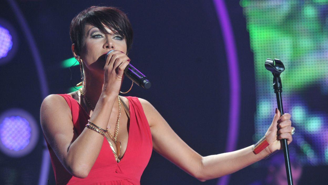 """Paulla –  """"Chcę tam z tobą być"""": wystąpiła m.in. w programie TVP """"Hit Generator"""" (fot. TVP)"""