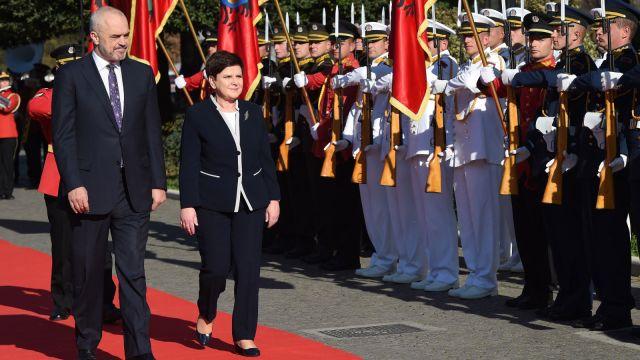 Premier z wizytą w Albanii. Weźmie udział w forum ekonomicznym