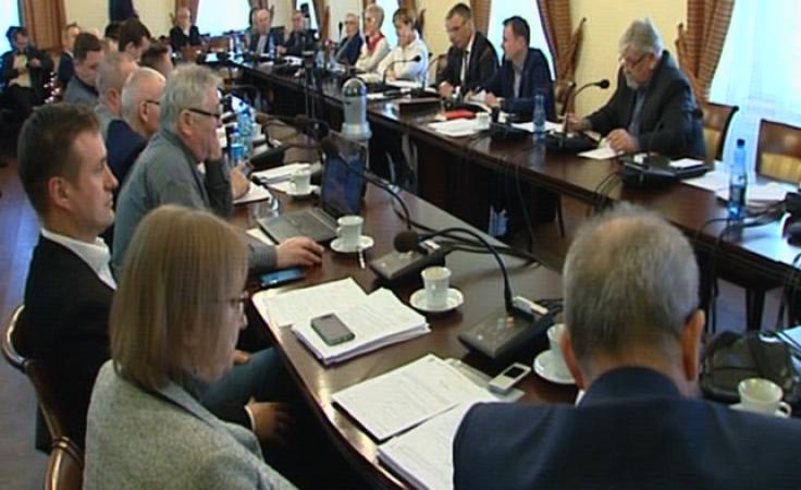 Radni zaapelowali o zaprzestanie wdrażania reformy oświaty