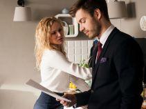 Sekretarce Marcie nie potrzeba więcej, by dojść do wniosku, że Paweł i Sylwia mają romans (fot. TVP)