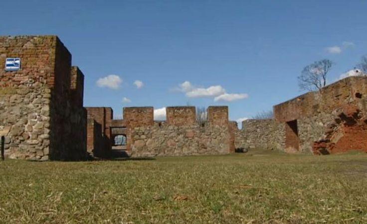 """Chcą zrewitalizować ruiny zamku znanego z """"Krzyżaków"""""""