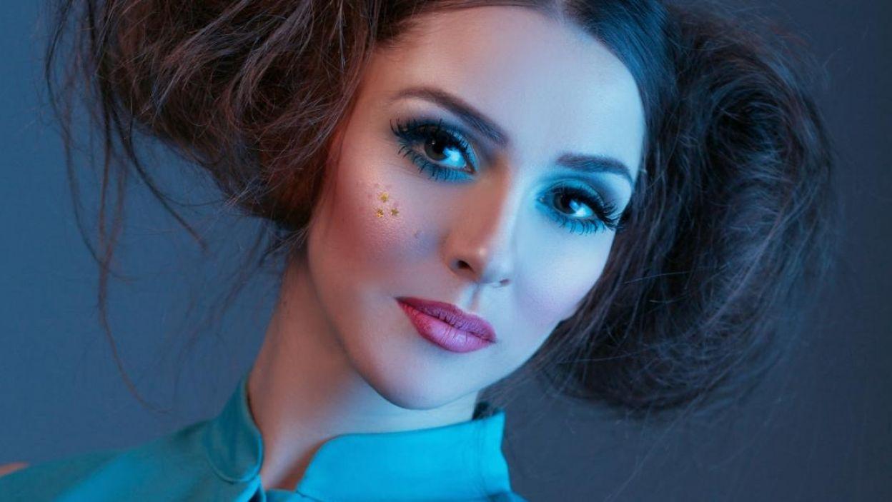 """Jana Burceska, Macedonia, jest ambasadorką UNICEF, wzięła udział w ponad 60 imprezach na rzecz równych praw, na Eurowizji zaśpiewa piosenkę """"Dance Alone"""" (fot. Eurovision.tv)"""
