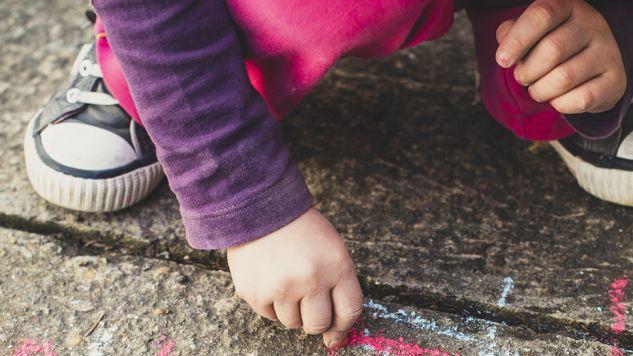 Prokurator Andrzej W. molestował dwoje dzieci (fot. Shutterstock/Pawle)