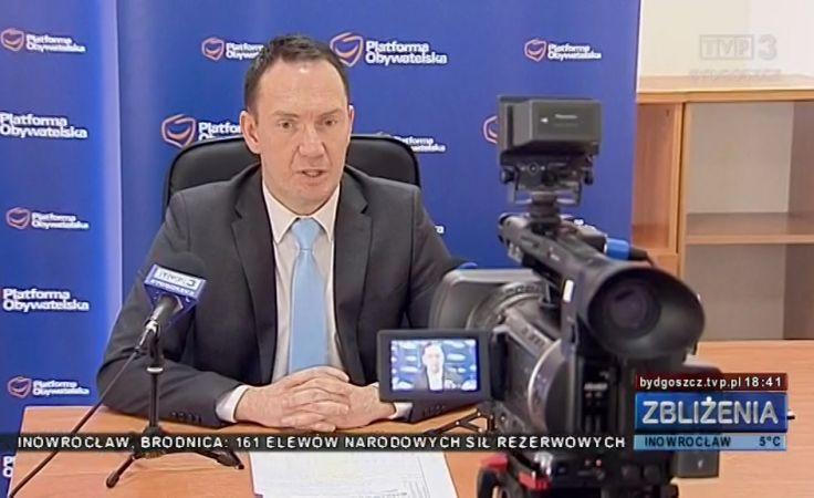 Poseł Tomasz Szymański zorganizował konferencję prasową w Grudziądzu