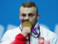 Polski sztangista wywalczył złoto już w olimpijskim debiucie (fot. Getty Images)